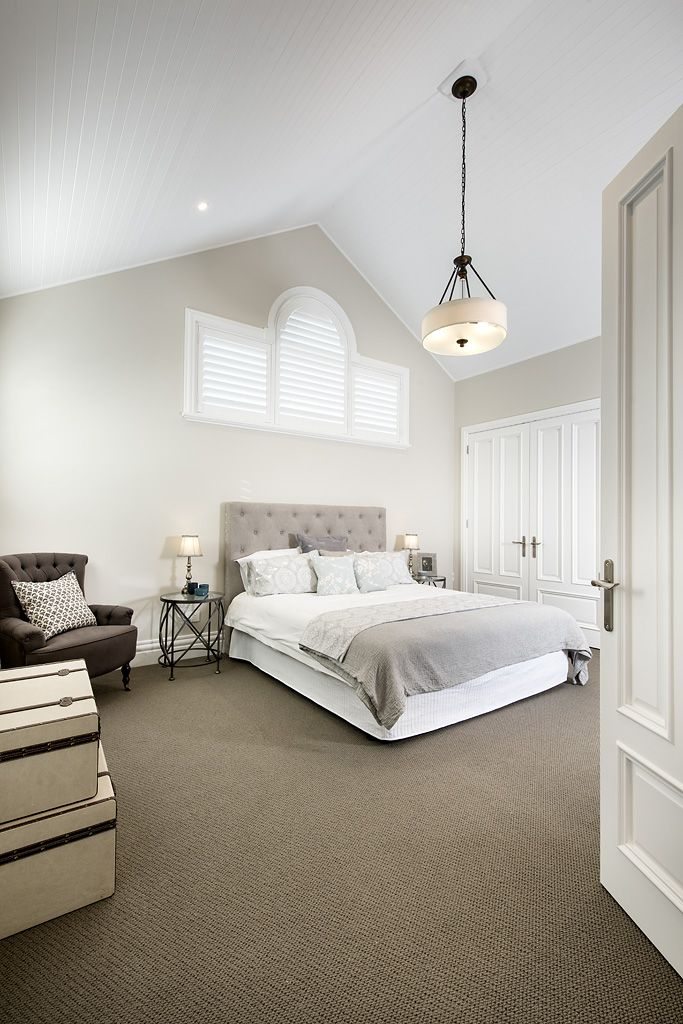 Hamptons style bedroom - Oswald Homes