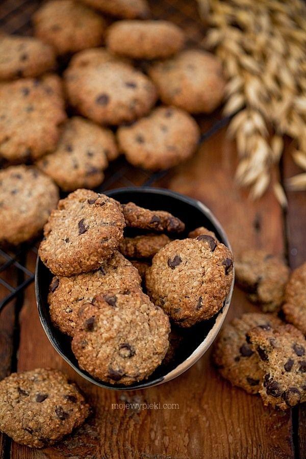 Razowe ciasteczka z płatkami owsianymi i czekoladą