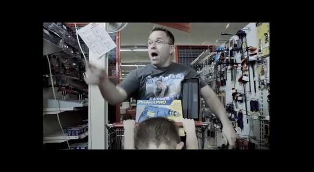 hilarious video! a man who decides to annoy his children on Fathers Day!