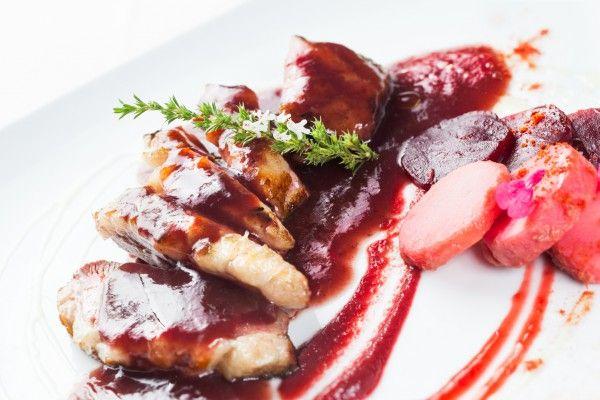 Утиное филе с вишневым соусом