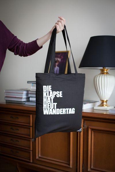 DIE+KLAPSE+HAT+HEUT+WANDERTAG+-+Beutel+/+Tasche+++von+The+Essence+of+HASS+auf+DaWanda.com