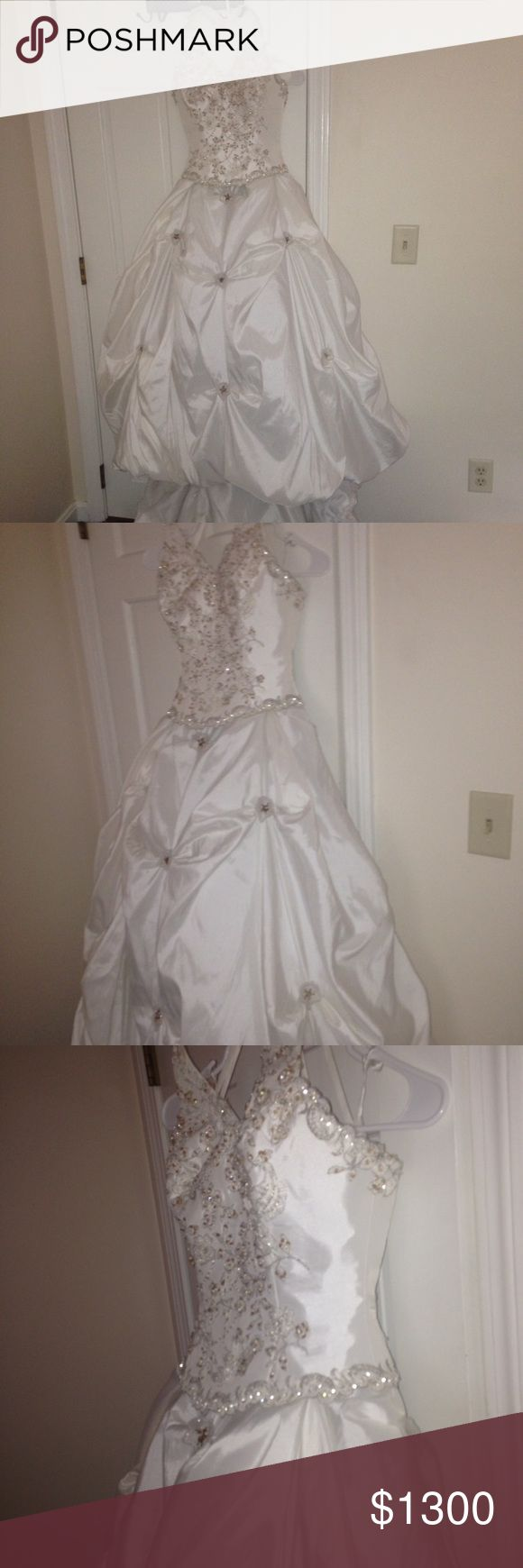 SIZE 2 GORGEOUS Wedding Dress CINDERELLA Princess Ball Gown Wedding Dress. Model, beach road trips,  cheer pageant friend lounging sister trendy shoulder formal  top one shoulder  ruffles ruffle shirt cute shirt pageant date night poolside anniversary birthday date night gift idea birthday friends mothers present night engagement Boutique Dresses Wedding