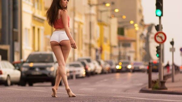 Halfway through the week means humps (26 photos)