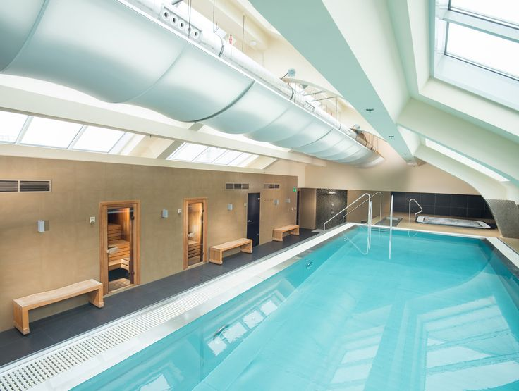 Wellness with inner swimming pool and saunas