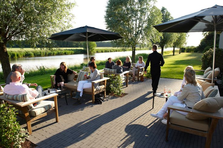 Vergaderen bij Zwolle en lunchen aan het water. Top!