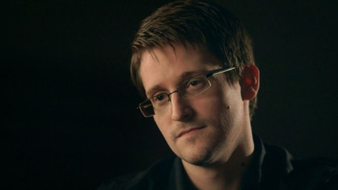 Edward Snowden interview: 'Smartphones can be taken over'