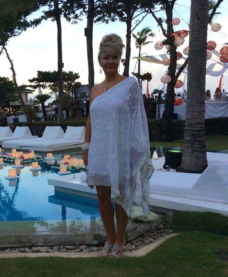 Tricia Katherine Goddess in white, the perfect dress for an elegant Bali sunset soirée.