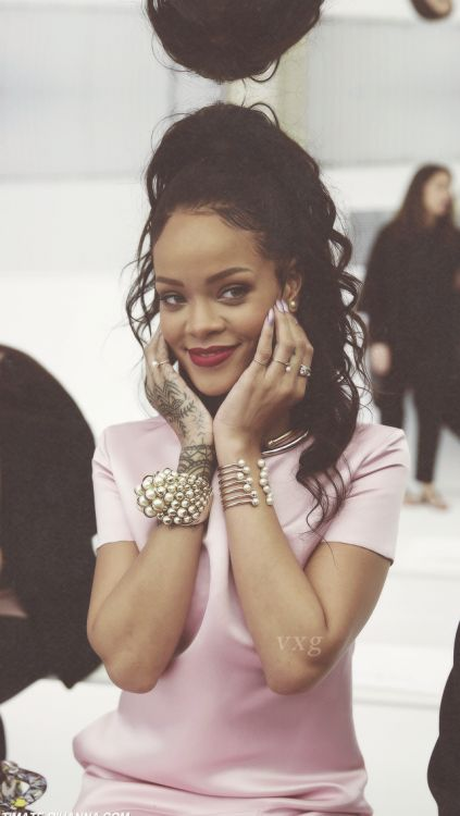 rihanna iphone background Tumblr WCW Pinterest