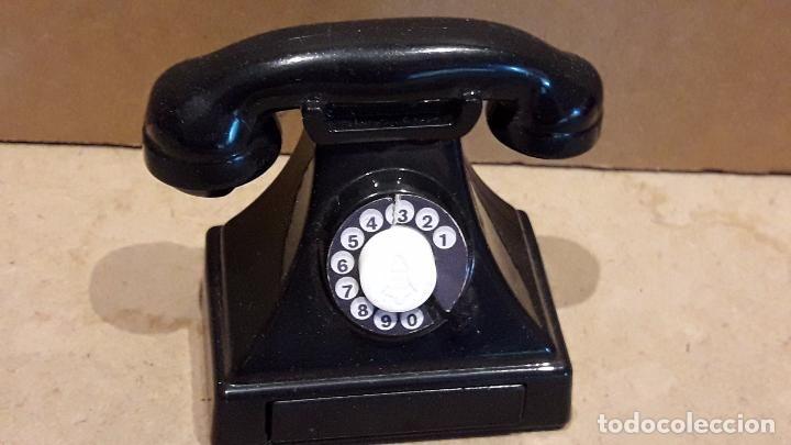 TINTIN-MCDONALD'S / TELÉFONO ANTIGUO CON CAJÓN SECRETO. 5.5 X 5.5 CM / PERFECTO.
