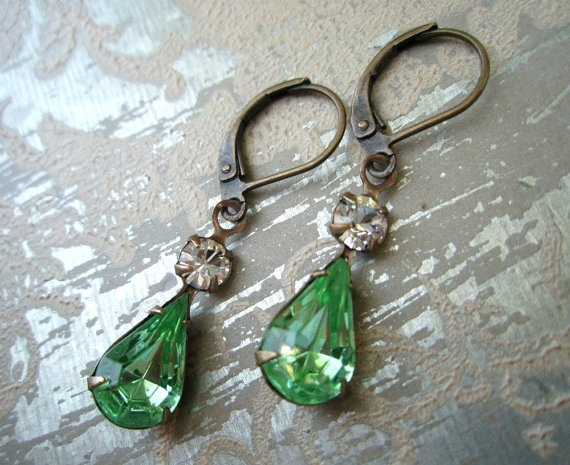 Vintage peridot earrings, old hollywood glamour: Beautiful Earrings, Vintage Peridots, Drop Earrings, Green, Vintage Rhinestones, Jewelry Vintage, Old Hollywood Glamour, Vintage Style, Peridots Earrings