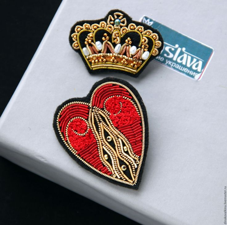 """Купить Комплект брошей """"Сердце и корона """" ручная вышивка . - разноцветный, брошь купить"""