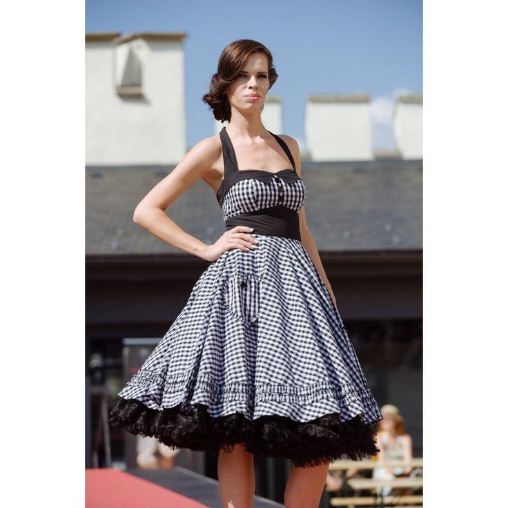 Karované retro šaty