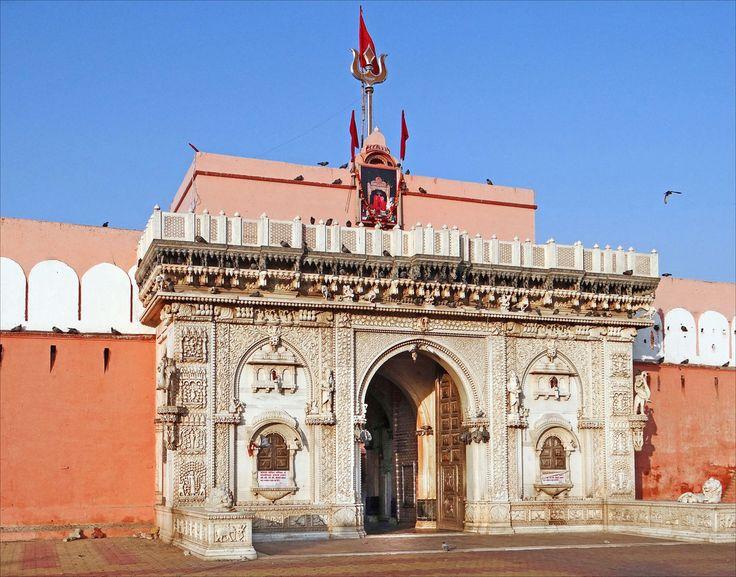 25 melhores ideias de the hindu in hindi no pinterest karni mata temple hindi is a hindu temple dedicated to karni mata at deshnoke 30 km from bikaner in rajasthan india fandeluxe Image collections