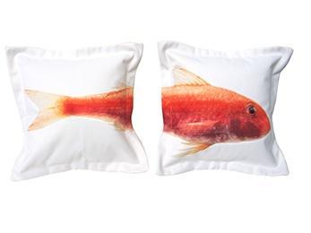almohadones personalizados con tus fotos. Puedes partir tu foto en dos o tres almohadones.