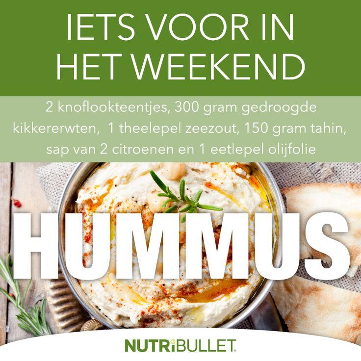 Hummus is een geweldige snack en heel simpel om te maken.  Voeg alle ingrediënten in de grote Nutribulletbeker en extraheer totdat je de dikte hebt die je wilt hebben.   Een avontuurlijk gevoel? Voeg pesto, rode peper of gekarameliseerde uien toe!