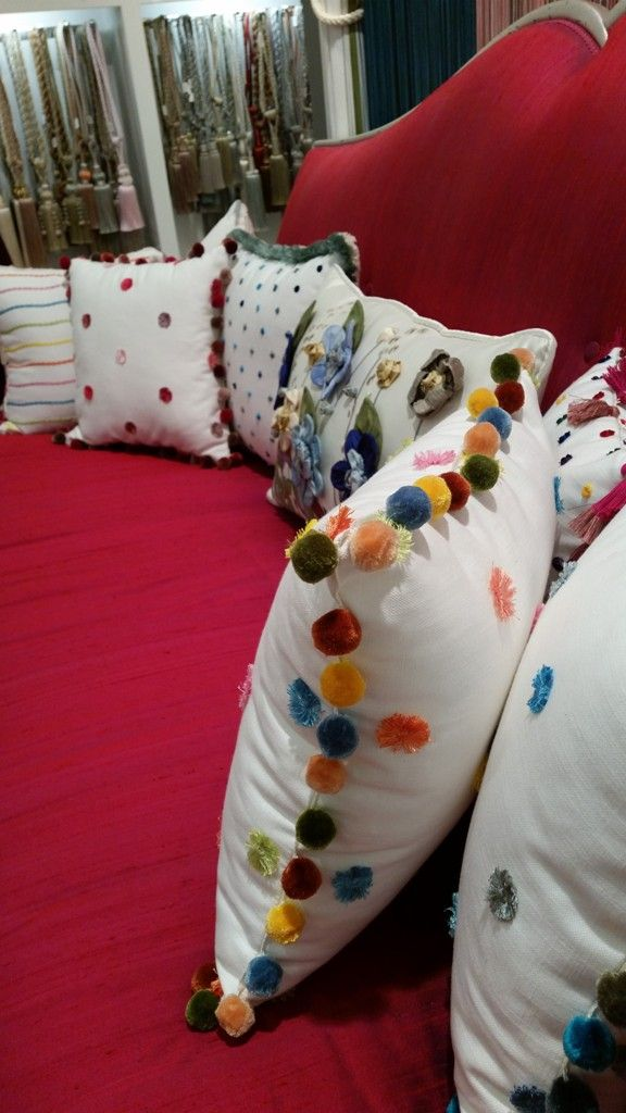 #pompon #pillow #shopping #showroom