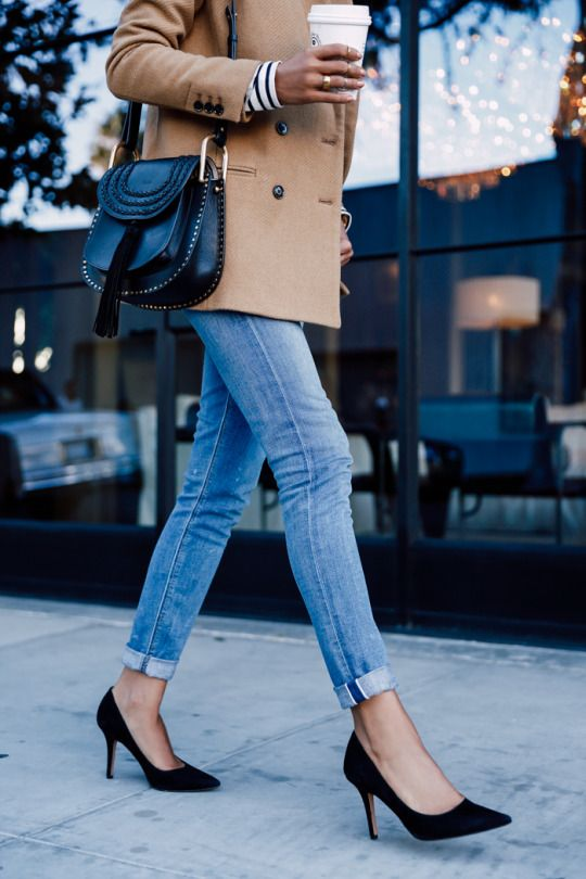 For a chic fall look, pair your favorite skinnies with black pumps and a peacoat!