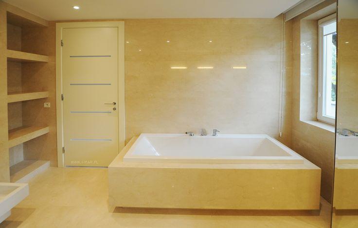 @imarpolska Przedsiębiorstwo  Kamieniarskie: Piękna słoneczna łazienka wykonana z marmuru Crema Marfil. // Beautiful sunny bathroom made of marble #CremaMarfil.