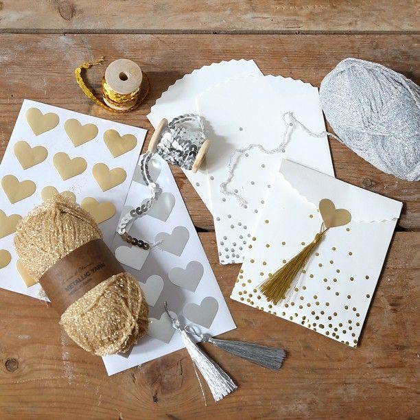 Yarn in metallic colours for unique DIY projects Anna thinks. In stores now. Price DKK 1880 / SEK 2660 / NOK 2790 / EUR 272 / ISK 587 / GBP 2.12  #yarn #garn #knitting #crochet #diy #crafts #inspiration #sostrenegrene #søstrenegrene #grenediy