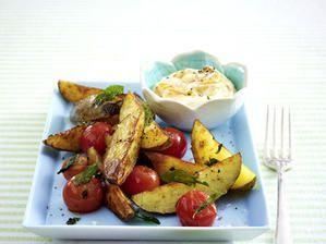 <p><b>Gesund & lecker: 25</b> <b>Rezepte</b> <b>zum</b> <b>Abnehmen</b><b>!</b></p><p><b>Salbei-Kartoffeln mit Kirschtomaten</b></p><p>Zutaten für 4 Portionen</p><p>1,2 kg Kartoffeln2 EL Olivenöl250 g Kirschtomatengrobes MeersalzPfeffer8 Stiele Salbei400