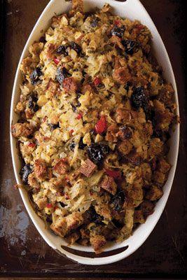 Słodko-ostre nadzienie do indyka z chilli, koprem włoskim, śliwkami suszonymi i kuminem.