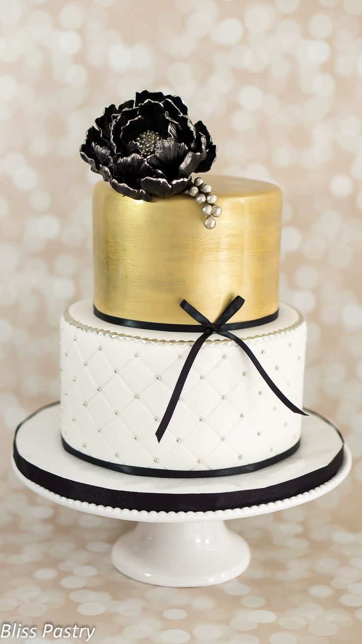 Birthday Cake Images Gold : Best 25+ Gold birthday cake ideas on Pinterest Black and ...