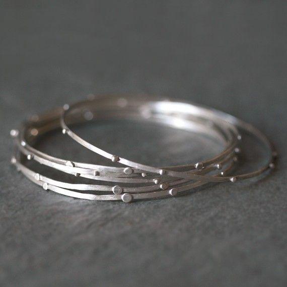4.bp.blogspot.com -9aRp8i85PsE UV3A90-zvlI AAAAAAAAgTQ ERxeeJMX2sQ s1600 Michelle+Chang+Jewelry+Stack+Bangle+in+Sterling+Silver.jpg