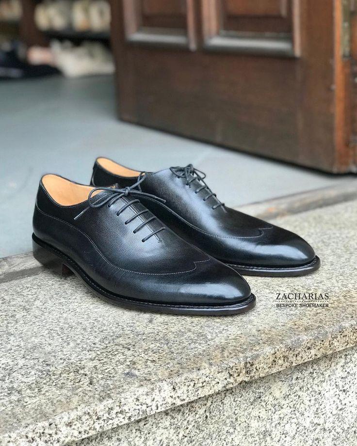 Představujeme #boty na zakázku. . Stejný výrobní #postup stejný #materiál stejná #kvalita jako mají naše boty na míru. . Zkusíte si je vyberete barvu a střih a objednáte. . Výrazně rychleji ušité a levnější než první pár bot na míru. . Domluvte si návštěvu a přijďte si je vyzkoušet.
