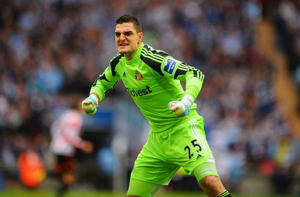 Vito Mannone of Sunderland AFC against Manchester City FC