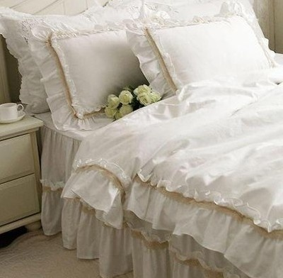 135 Shabby And Elegant Off White Lace White Ruffle Duvet