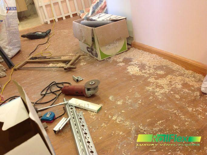 Thi công sàn nhựa vân gỗ có hèm khóa