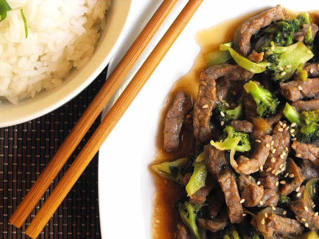 Carne de vaca com molho de ostra e arroz Thai Jasmim - http://gostinhos.com/carne-de-vaca-com-molho-de-ostra-e-arroz-thai-jasmim/