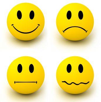 من الأمور التي تؤثر بي  ولها دور فاعل في حياتي العواطف فمن الممكن أن تؤثر ايجابي أو سلبي في حياتي