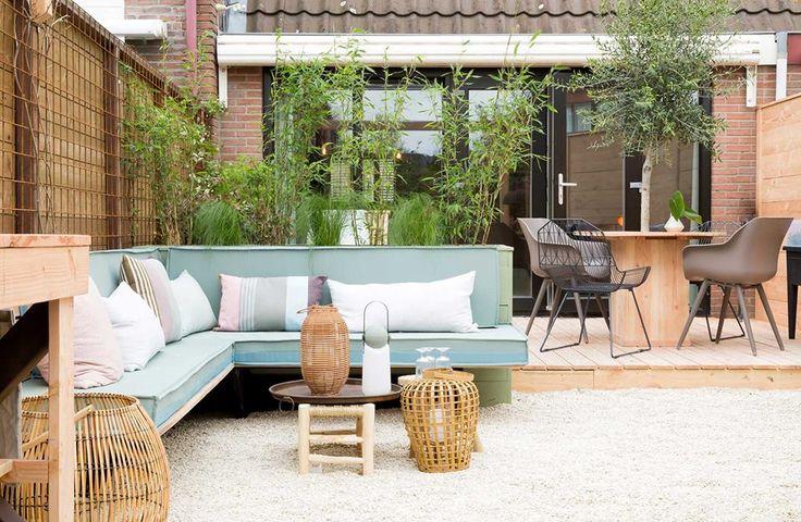 Unique Backyard Living Room Designs