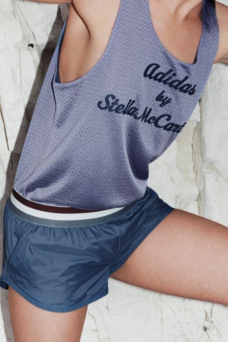 Adidas by Stella McCartney                                                                                                                                                     Mehr