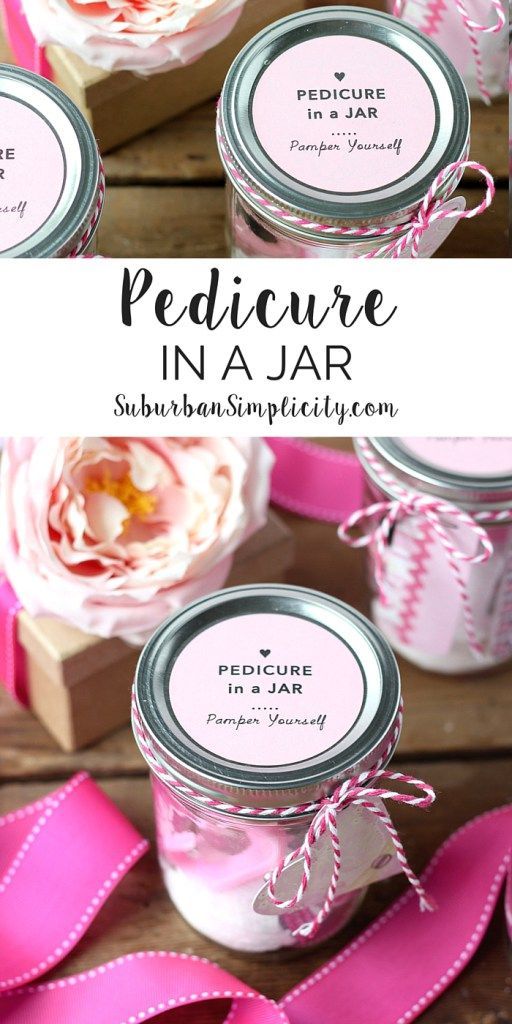 This Pedicure in a Jar is the perfect DIY gift idea! Give it to mom for Mother's Day or as a party favor for bridal and baby showers. Either way it's a pampering treat. | Free Printable