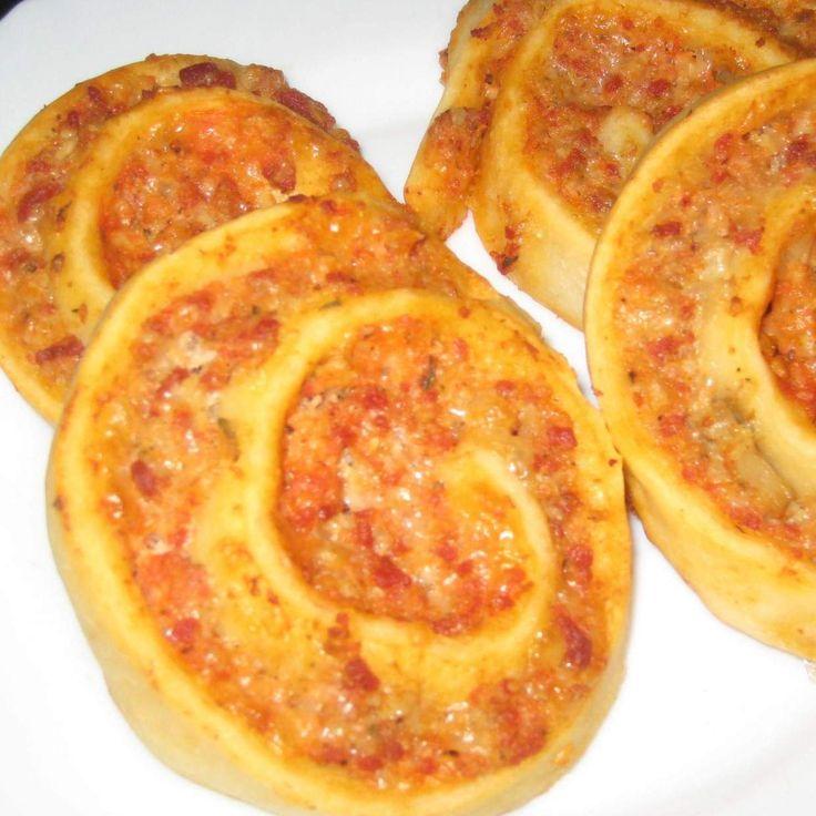 Rezept Pizzaschnecken von Sabine1980 - Rezept der Kategorie Backen herzhaft