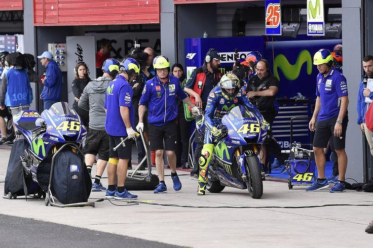 'Valentino Rossi faz um pouco de tudo no MotoGP' – Flavio Briatorehttp://www.motorcyclesports.pt/valentino-rossi-faz-um-pouco-de-tudo-no-motogp-flavio-briatore/