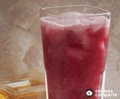 El sabor del agua de jamaica y guayaba es muy sabroso, además de refrescante y saludable, aporta altas dosis de vitamina C en la fruta e importantes propiedades diuréticas en la flor de jamaica.