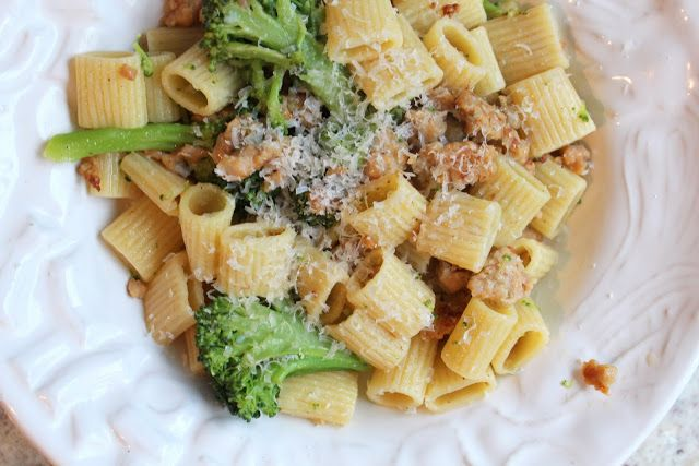 What's For Dinner: Rigatoni with Broccoli and Sausage