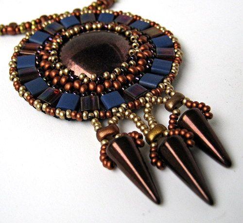 Azték ... tila beads, spikes