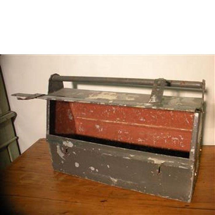 Saxum - Recupero oggettistica, mobili, pavimenti, cose vecchie. Cassetta porta attrezzi vintage in ferro