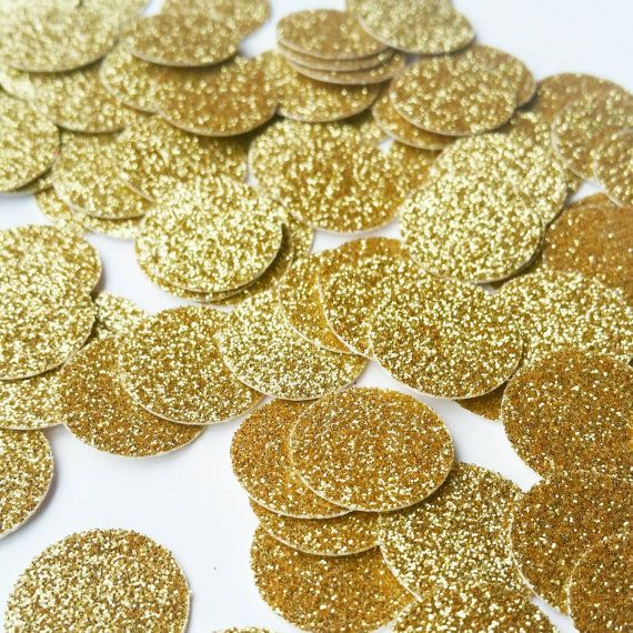 Add a touch of glitter to the tables at your next event with this glitter circle confetti!  Size: 5/8  Color: Gold    IMPORTANT: The gold glitter is