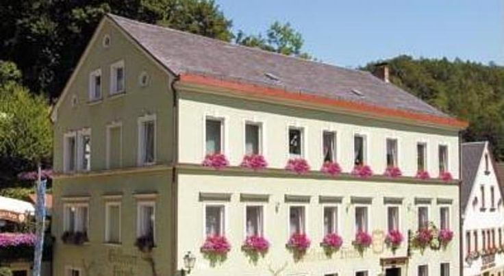 Gasthof & Hotel Goldener Hirsch Bad Berneck im Fichtelgebirge Situated beneath the Schlossturm (castle tower) in the heart of the spa town of Bad Berneck, this family-run hotel provides a welcoming base for exploring the beautiful Fichtelgebirge mountains.