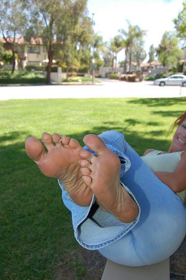 Horny Teen Cutie Gets Her Body - Teen Feet - Sunny Leone Hardcore