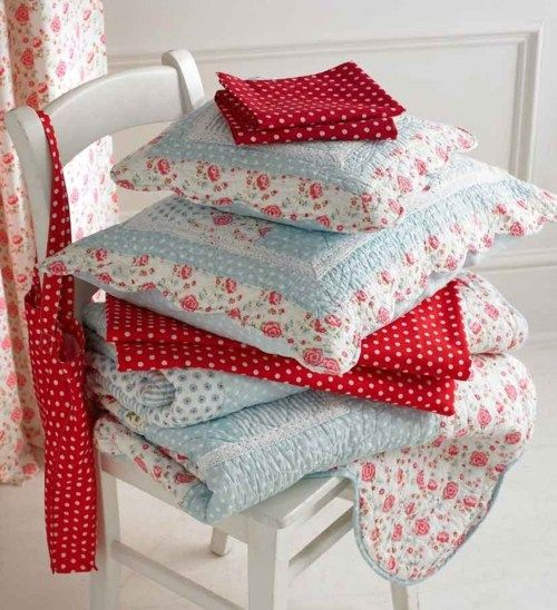 Lovely!: Colour, Ideas, Polka Dots, Red, Quilts, Fabric, Patchwork Quilt
