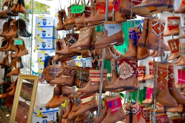 There is no way you can visit Ibiza without visiting hippie market Las Dalias. Las Dalias is one of the bigger and more famous hippie markets of Ibiza. Mercadil