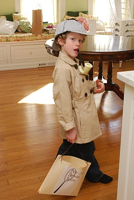 You're never too young to be a detective!