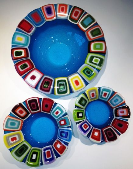 Glass bowls: Blue. 40, 30 and 25 cm in diameter. By the danish designer and artist Louise Lagoni.