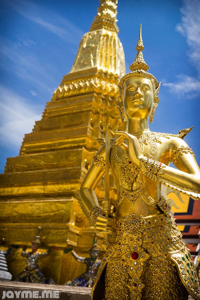 PHOTO OF THE WEEK – GOLDEN KINNARA STATUE, BANGKOK